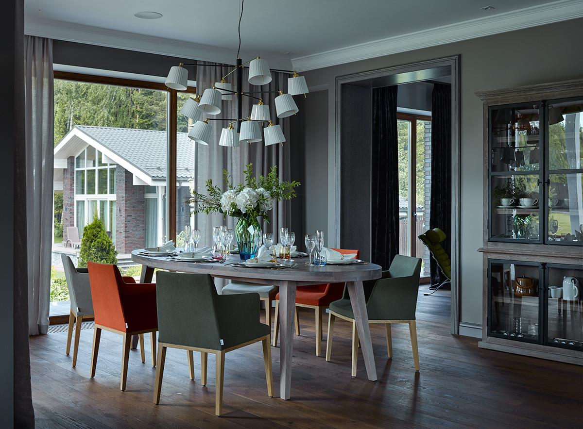 Кухня/столовая в  цветах:   Бирюзовый, Голубой, Светло-серый, Сиреневый.  Кухня/столовая в  стиле:   Минимализм.