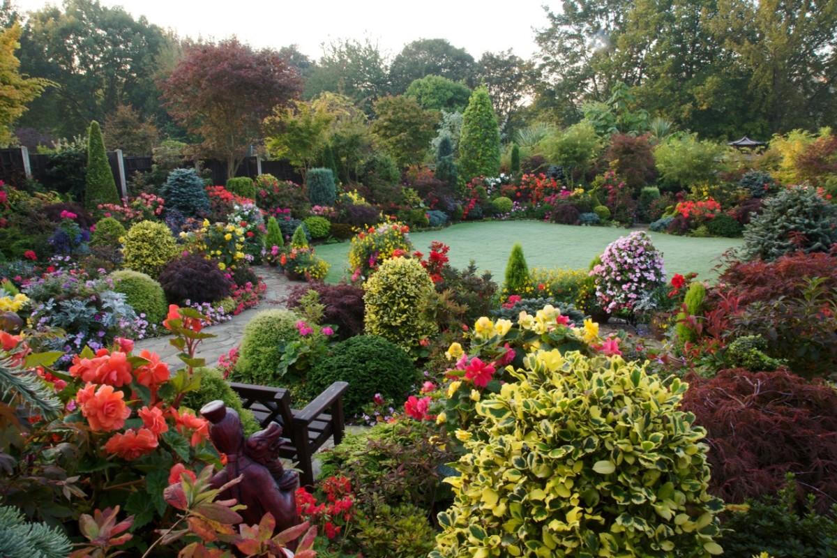 Сад и участок в  цветах:   Бежевый, Белый, Серый, Темно-зеленый.  Сад и участок в  .