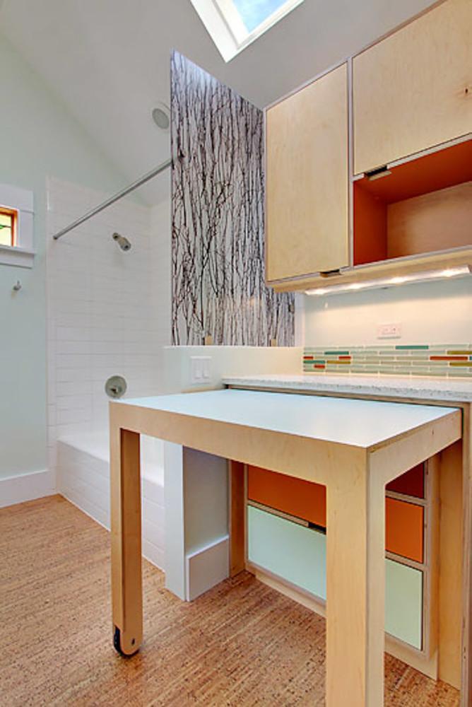 Кухня/столовая в  цветах:   Бежевый, Светло-серый, Серый.  Кухня/столовая в  стиле:   Минимализм.
