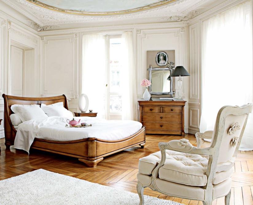 Спальня в  цветах:   Бежевый, Белый, Светло-серый, Серый.  Спальня в  стиле:   Классика.
