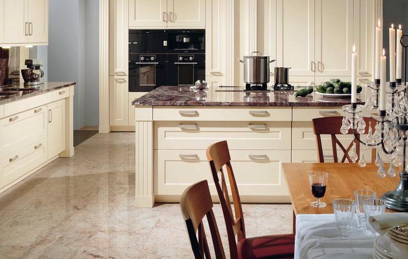 Кухня/столовая в  цветах:   Белый, Желтый, Светло-серый, Серый.  Кухня/столовая в  стиле:   Классика.