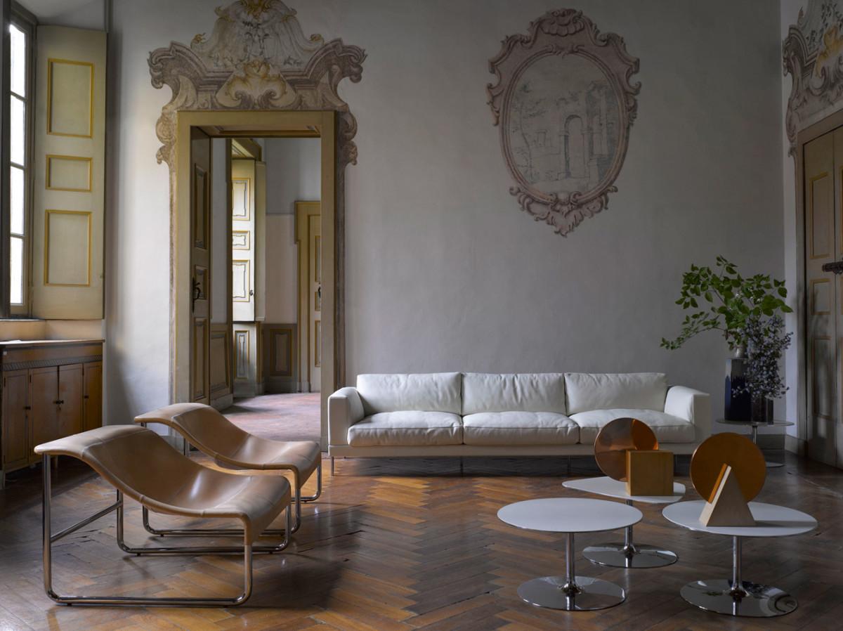 Гостиная, холл в цветах: черный, серый, светло-серый, коричневый. Гостиная, холл в стилях: минимализм, французские стили.