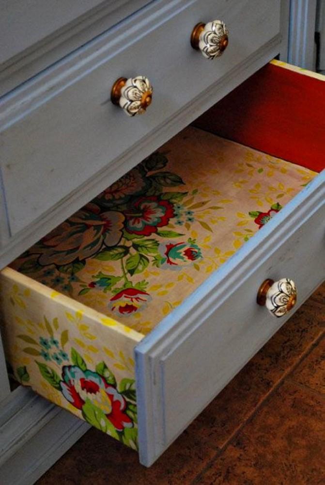 Мебель и предметы интерьера в цветах: красный, серый, лимонный, темно-зеленый. Мебель и предметы интерьера в .