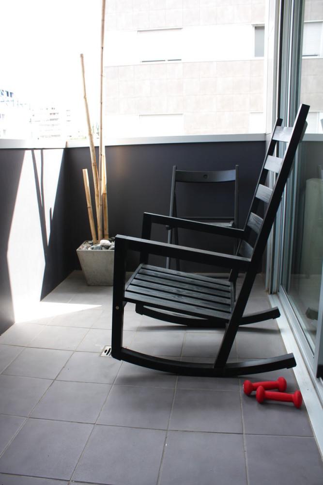Балкон, веранда, патио в цветах: черный, серый, белый, бежевый. Балкон, веранда, патио в стилях: минимализм.