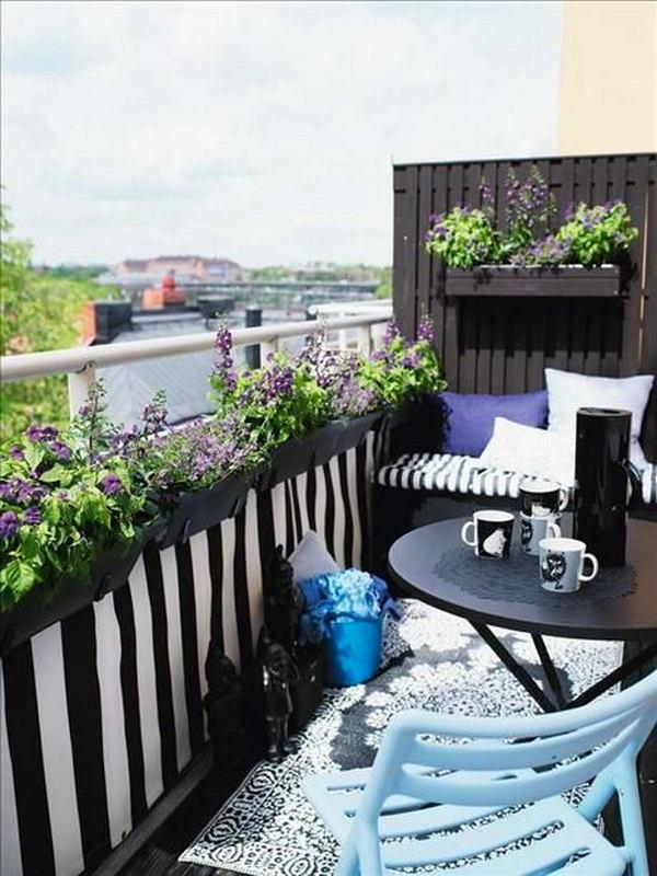 Балкон, веранда, патио в цветах: голубой, фиолетовый, черный, серый, светло-серый. Балкон, веранда, патио в .