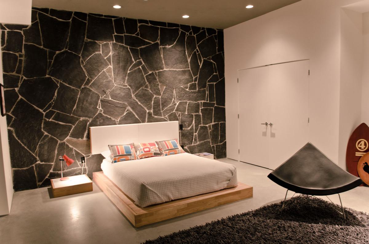 Спальня в цветах: желтый, черный, серый, коричневый, бежевый. Спальня в стиле скандинавский стиль.