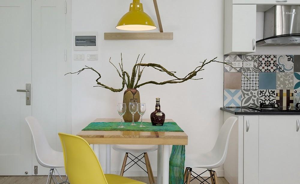 Кухня в цветах: серый, светло-серый, салатовый, бежевый. Кухня в стилях: минимализм.