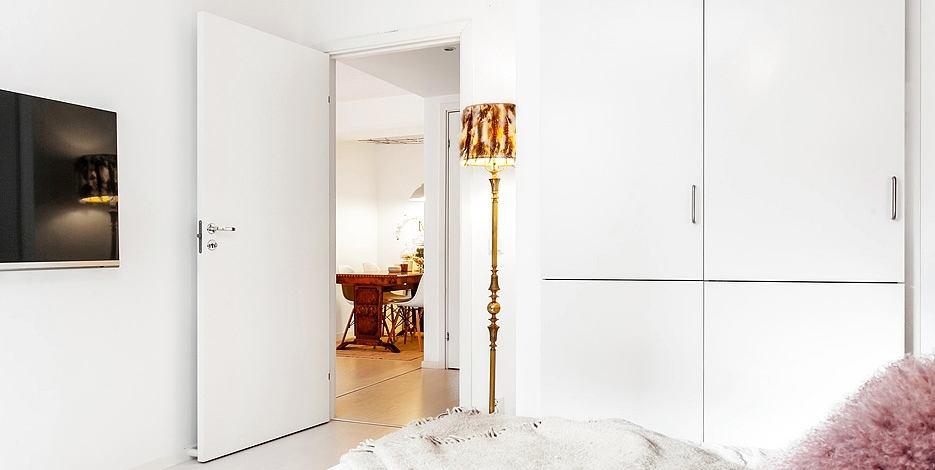 Мебель и предметы интерьера в цветах: желтый, серый, светло-серый, бежевый. Мебель и предметы интерьера в стилях: скандинавский стиль, эклектика.