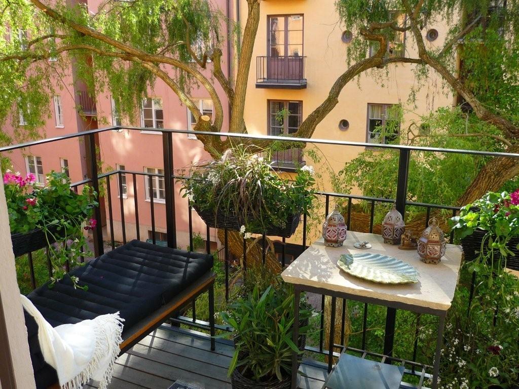 Балкон, веранда, патио в цветах: черный, серый, темно-зеленый, бежевый. Балкон, веранда, патио в .
