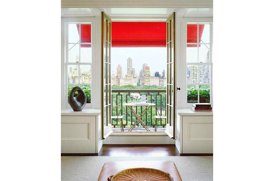 Балкон, веранда, патио в цветах: светло-серый, белый, бордовый, бежевый. Балкон, веранда, патио в .