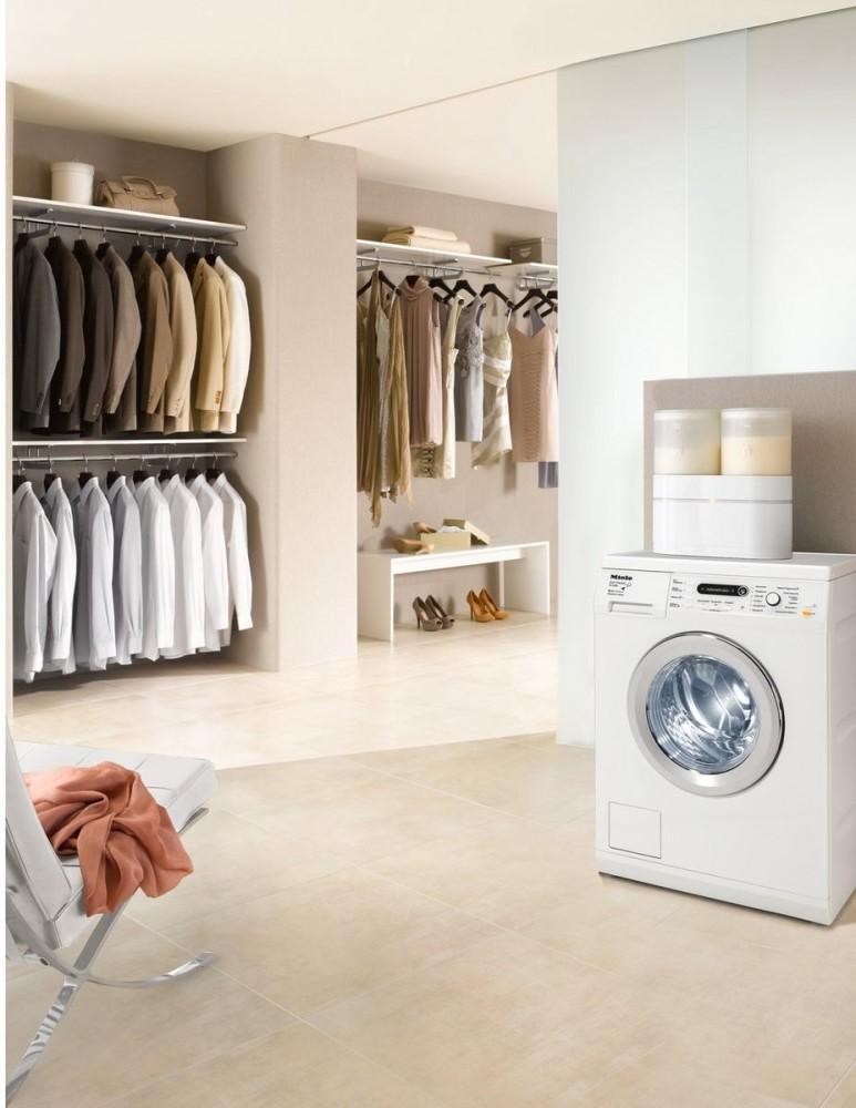 Подсобное помещение в цветах: серый, светло-серый, белый, коричневый, бежевый. Подсобное помещение в .
