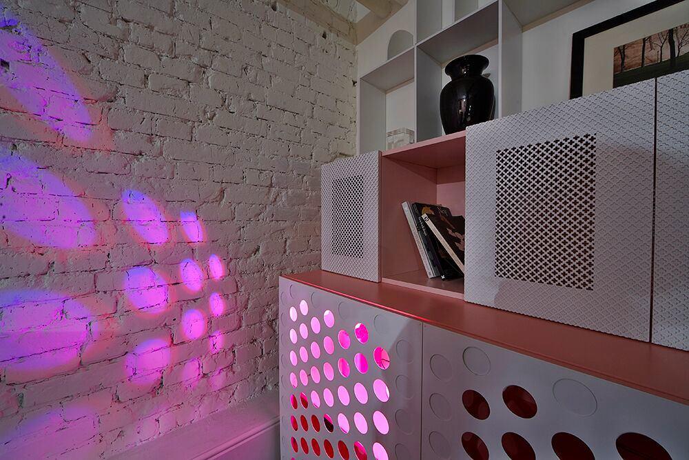 Мебель и предметы интерьера в цветах: серый, розовый, сиреневый, коричневый. Мебель и предметы интерьера в стиле эклектика.