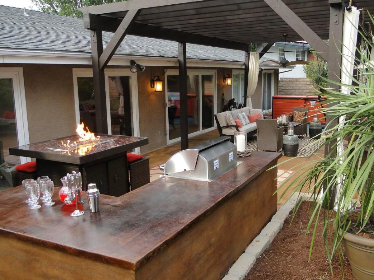 Балкон, веранда, патио в цвете коричневый. Балкон, веранда, патио в стиле минимализм.