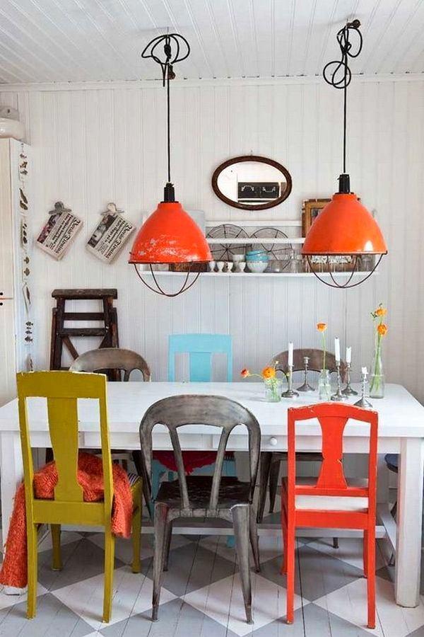 Кухня в цветах: красный, бирюзовый, серый, белый. Кухня в стилях: скандинавский стиль, эклектика.