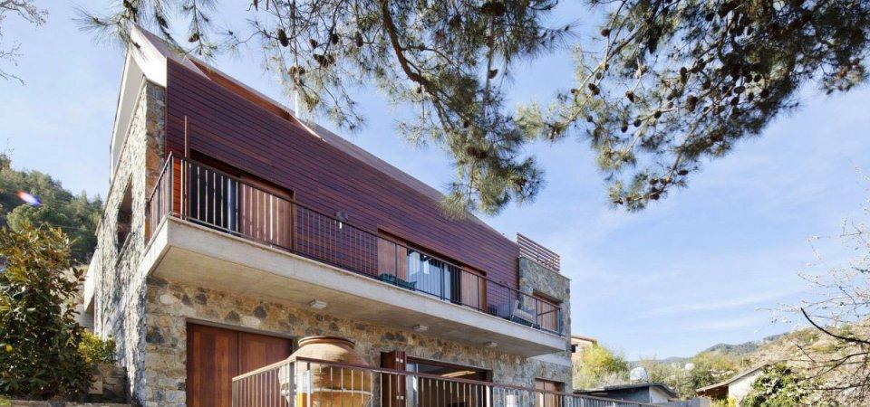 Дом в кипрской деревушке: на холме среди деревьев