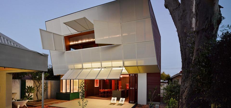 Дом с террасой в Австралии