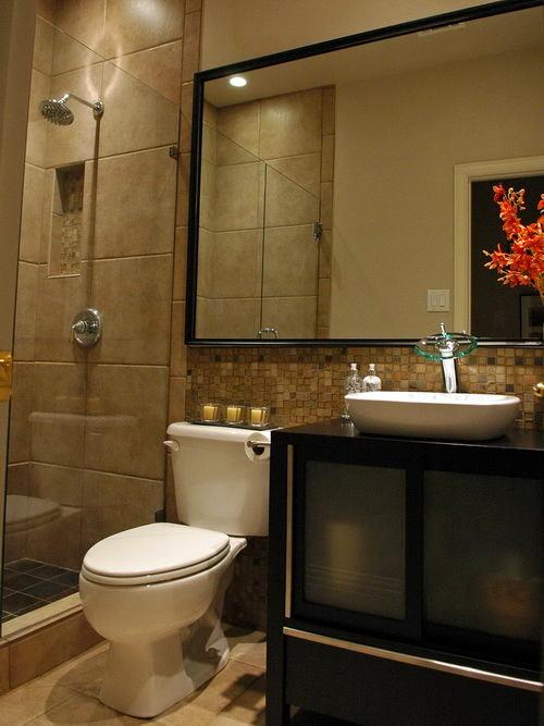 Туалет в цветах: черный, коричневый, бежевый. Туалет в .