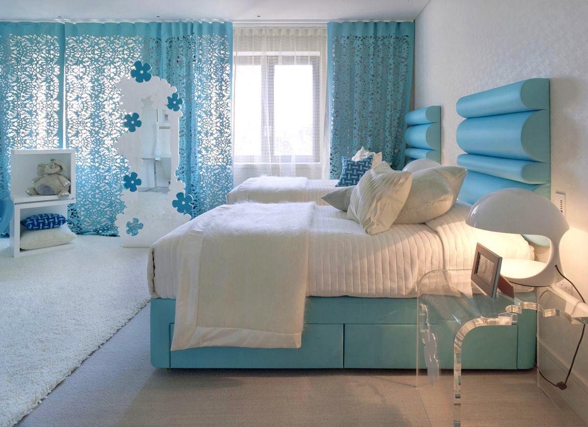 Спальня в цветах: голубой, бирюзовый, белый, сине-зеленый. Спальня в .