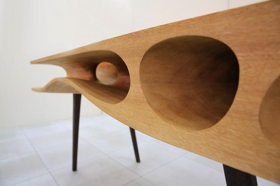 Мебель и предметы интерьера в цветах: черный, светло-серый, темно-коричневый, коричневый, бежевый. Мебель и предметы интерьера в стиле модерн и ар-нуво.
