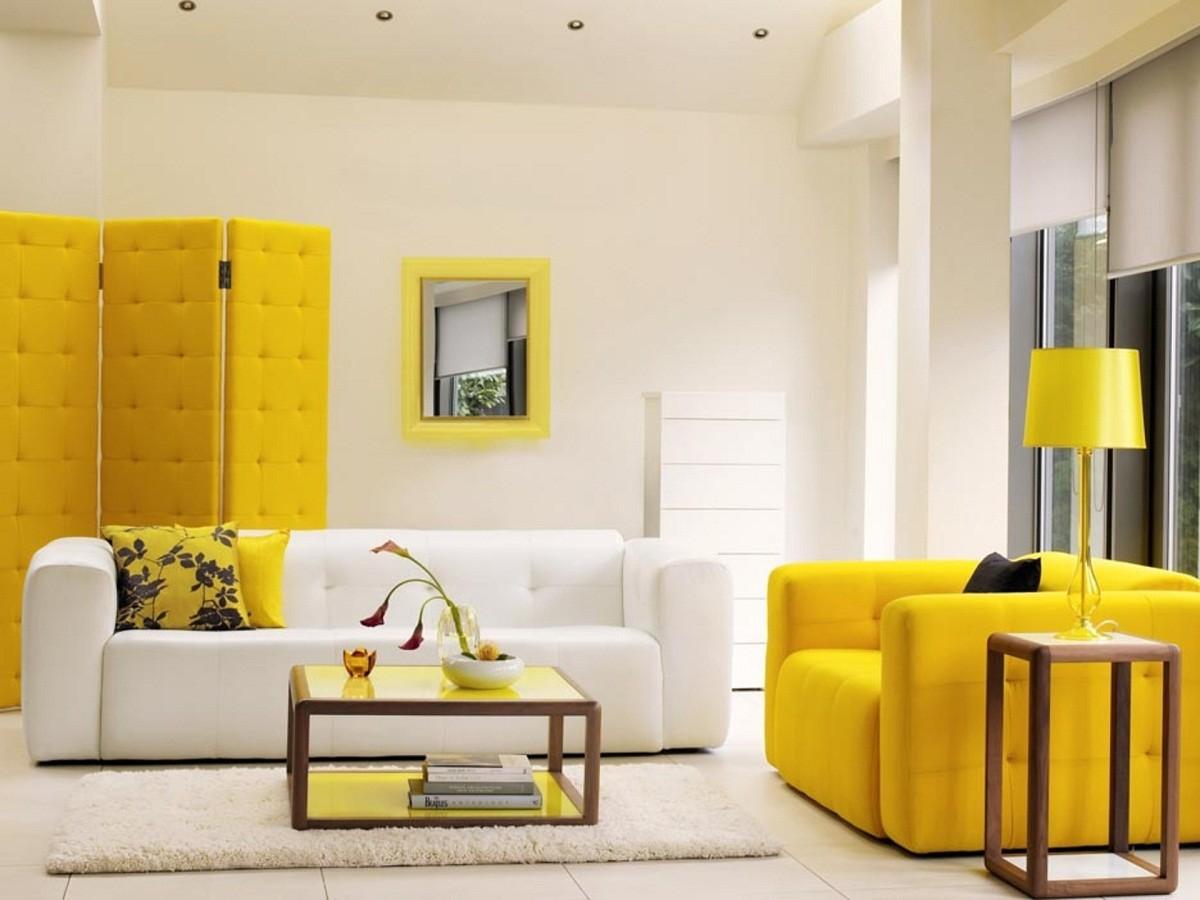в цветах: желтый, светло-серый, белый, бежевый.  в стиле эклектика.