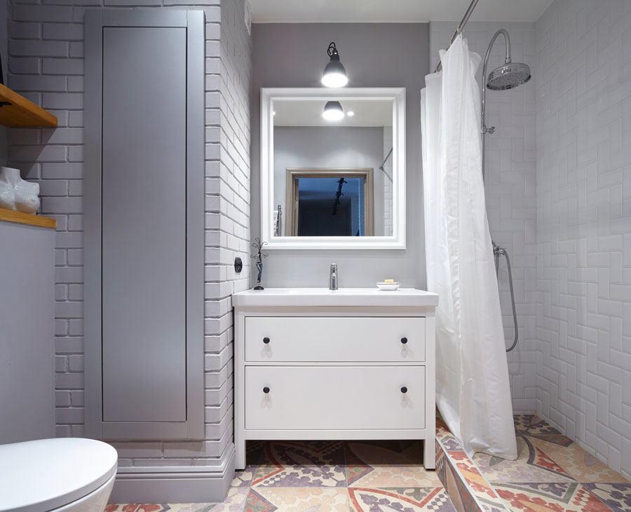 Туалет в цветах: серый, светло-серый, белый, коричневый. Туалет в стилях: скандинавский стиль.