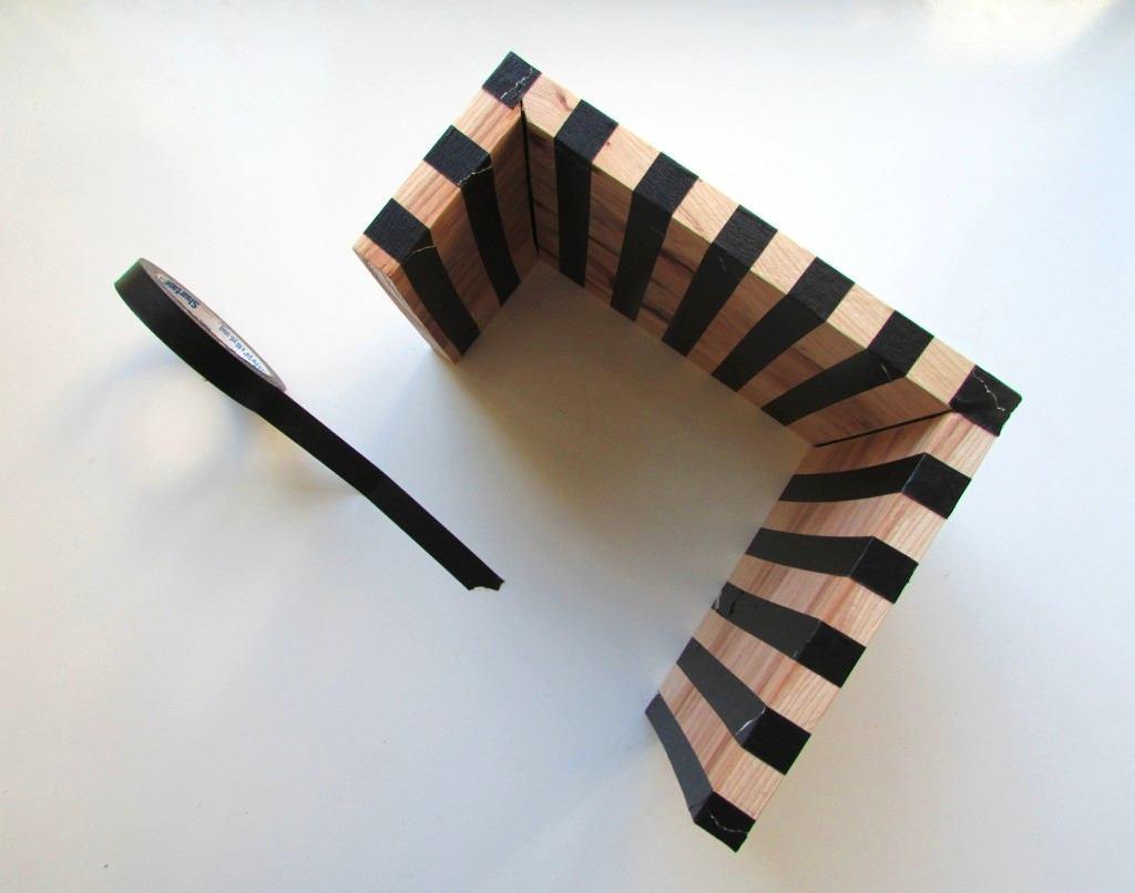 Фото в цветах: черный, серый, светло-серый, коричневый. Фото в .