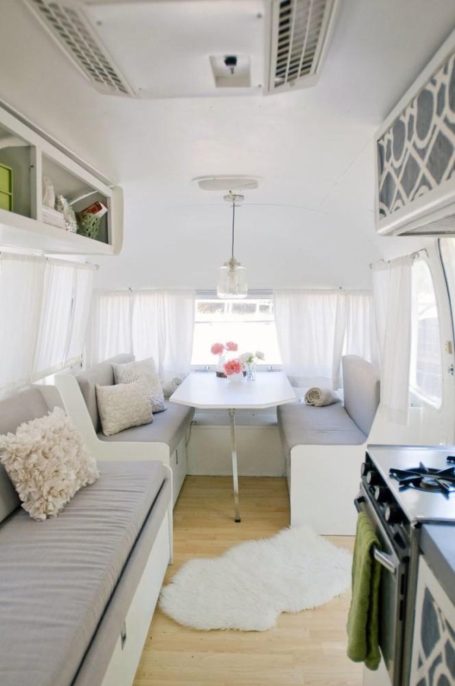 Мебель и предметы интерьера в цветах: черный, серый, светло-серый, белый, бежевый. Мебель и предметы интерьера в стиле скандинавский стиль.