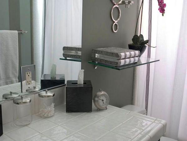 Декор в цветах: черный, серый, светло-серый, белый, сине-зеленый. Декор в стиле ближневосточные стили.