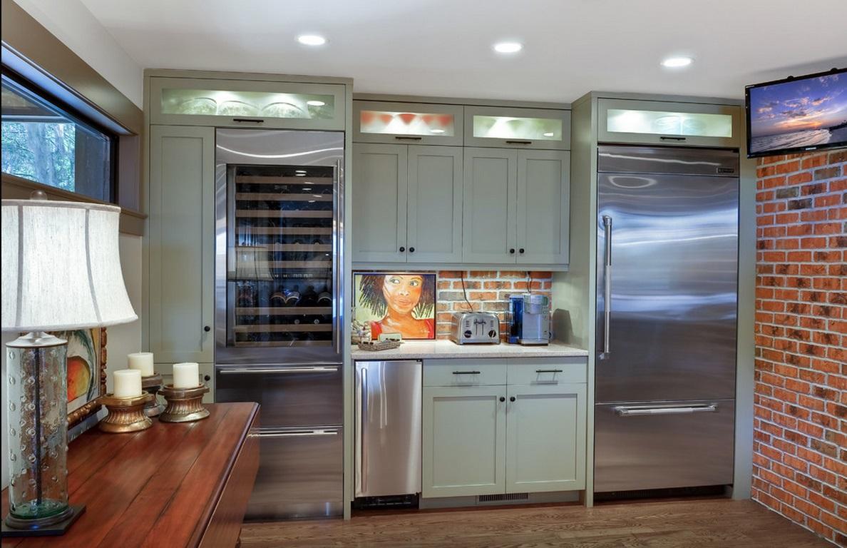 Кухня в цветах: серый, светло-серый, белый, коричневый. Кухня в стилях: лофт, кантри.