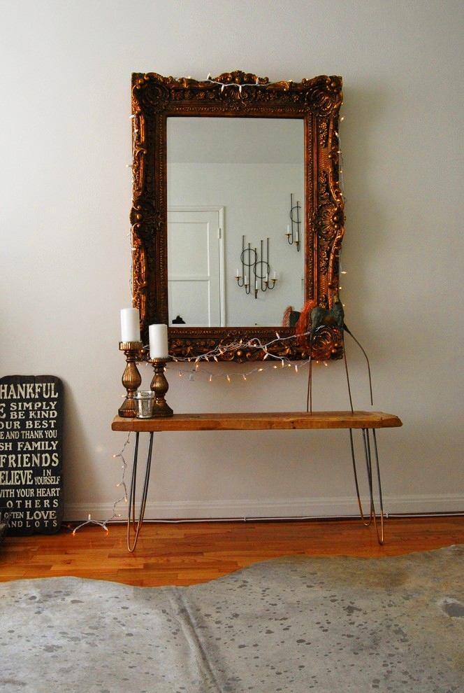 Мебель и предметы интерьера в цветах: серый, светло-серый, темно-коричневый, коричневый. Мебель и предметы интерьера в стилях: эклектика.