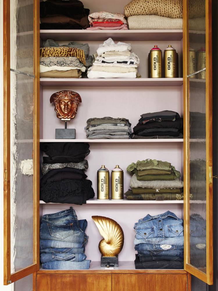 Мебель и предметы интерьера в цветах: черный, серый, светло-серый, коричневый. Мебель и предметы интерьера в стилях: американский стиль.