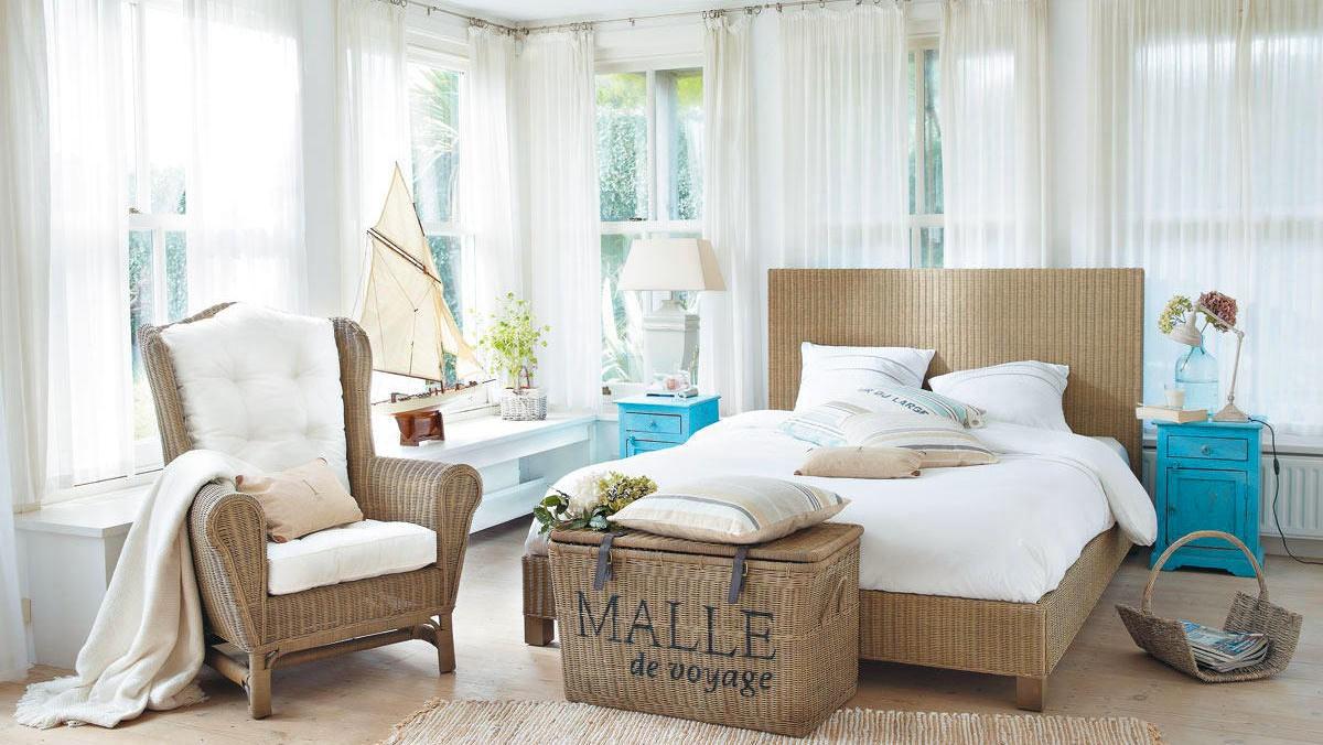Спальня в цветах: голубой, белый, коричневый, бежевый. Спальня в .