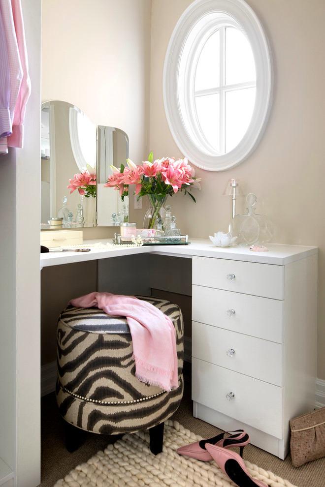 Мебель и предметы интерьера в цветах: серый, светло-серый, белый. Мебель и предметы интерьера в .