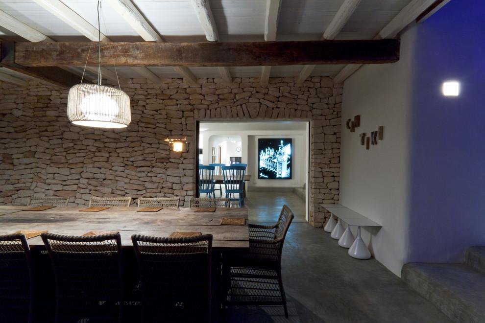 Мебель и предметы интерьера в цветах: серый, белый, темно-коричневый, коричневый, бежевый. Мебель и предметы интерьера в стиле эклектика.