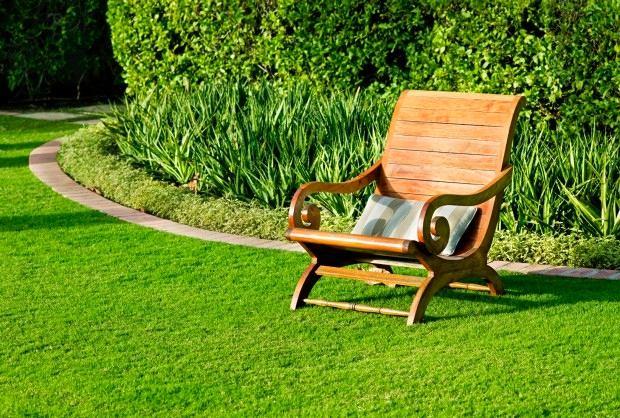 Ландшафт в цветах: оранжевый, темно-зеленый, салатовый, бежевый. Ландшафт в стиле экологический стиль.