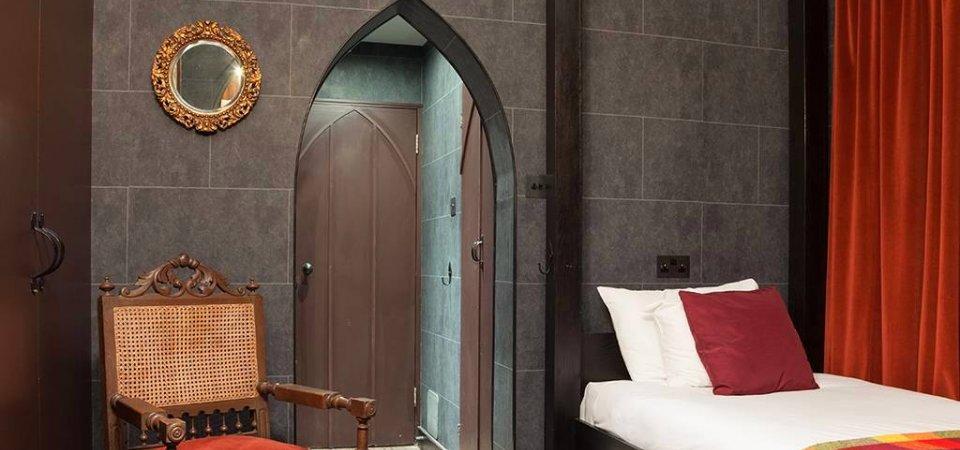 Отель для Гарри Поттера: реальные интерьеры выдуманной академии Хогвартс