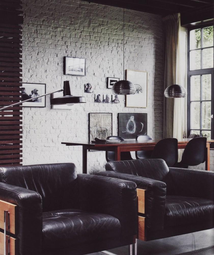 Гостиная в  цветах:   Светло-серый, Серый, Темно-коричневый, Черный.  Гостиная в  стиле:   Лофт.