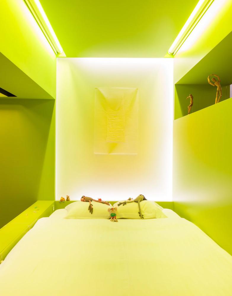 Спальня в  цветах:   Белый, Зеленый, Лимонный, Салатовый.  Спальня в  стиле:   Минимализм.