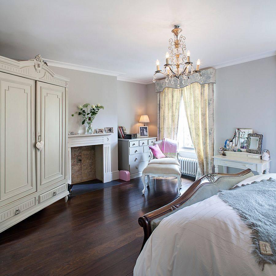 Спальня в  цветах:   Бежевый, Светло-серый, Серый, Темно-коричневый.  Спальня в  стиле:   Классика.