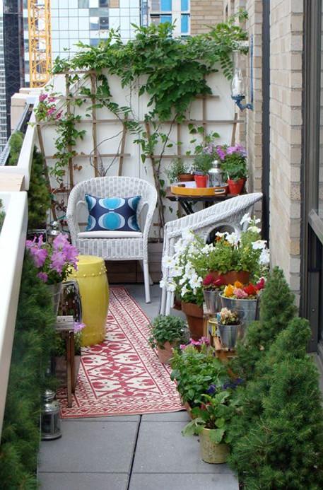 Балкон в  цветах:   Бежевый, Светло-серый, Серый, Темно-зеленый, Черный.  Балкон в  стиле:   Минимализм.