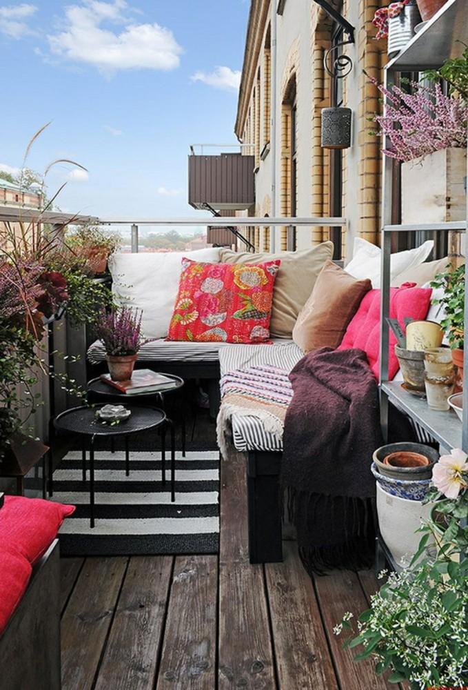 Балкон в  цветах:   Бежевый, Светло-серый, Серый, Темно-коричневый, Черный.  Балкон в  стиле:   Минимализм.