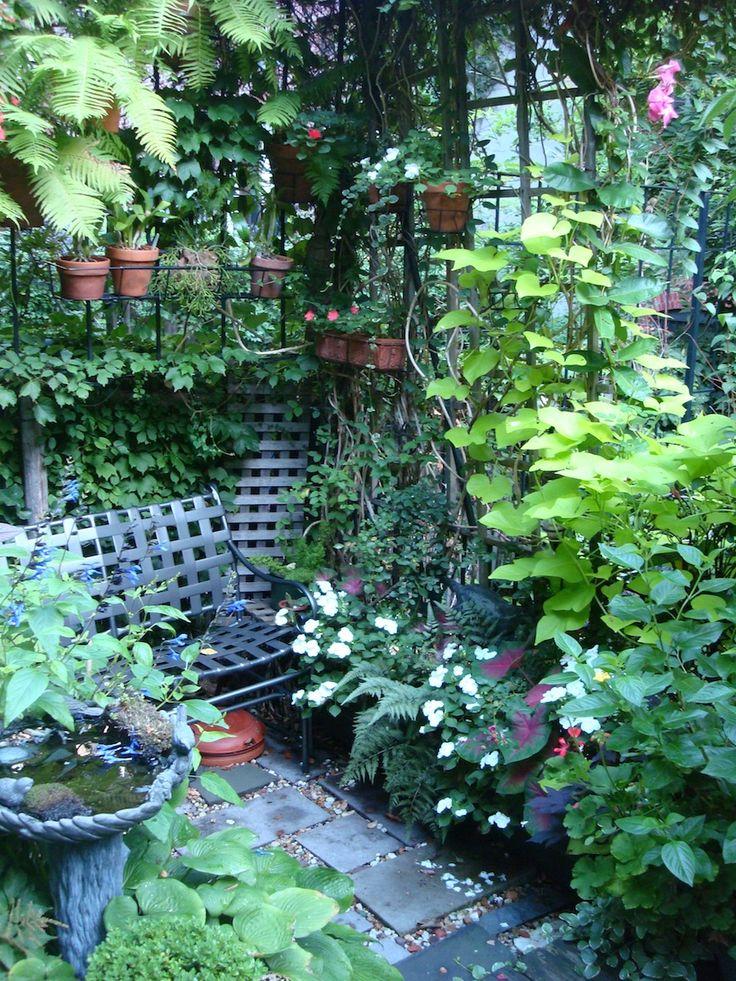 Сад и участок в  цветах:   Голубой, Серый, Синий, Темно-зеленый, Черный.  Сад и участок в  .