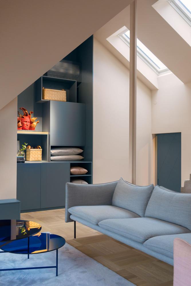 Гостиная в  цветах:   Бежевый, Коричневый, Светло-серый, Серый, Синий.  Гостиная в  стиле:   Минимализм.