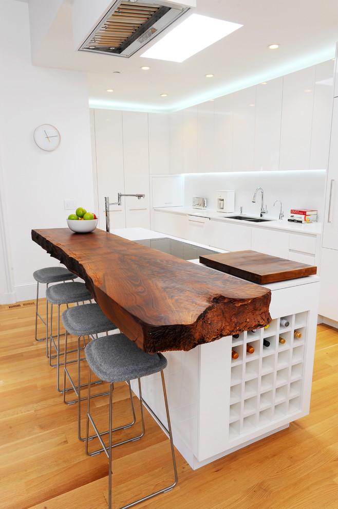 Кухня/столовая в  цветах:   Бежевый, Коричневый, Светло-серый.  Кухня/столовая в  стиле:   Скандинавский.