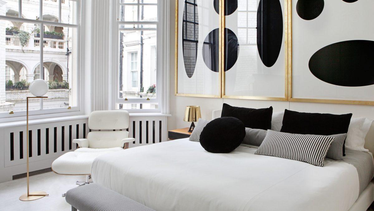 Спальня в  цветах:   Бежевый, Белый, Светло-серый, Серый, Черный.  Спальня в  стиле:   Эклектика.