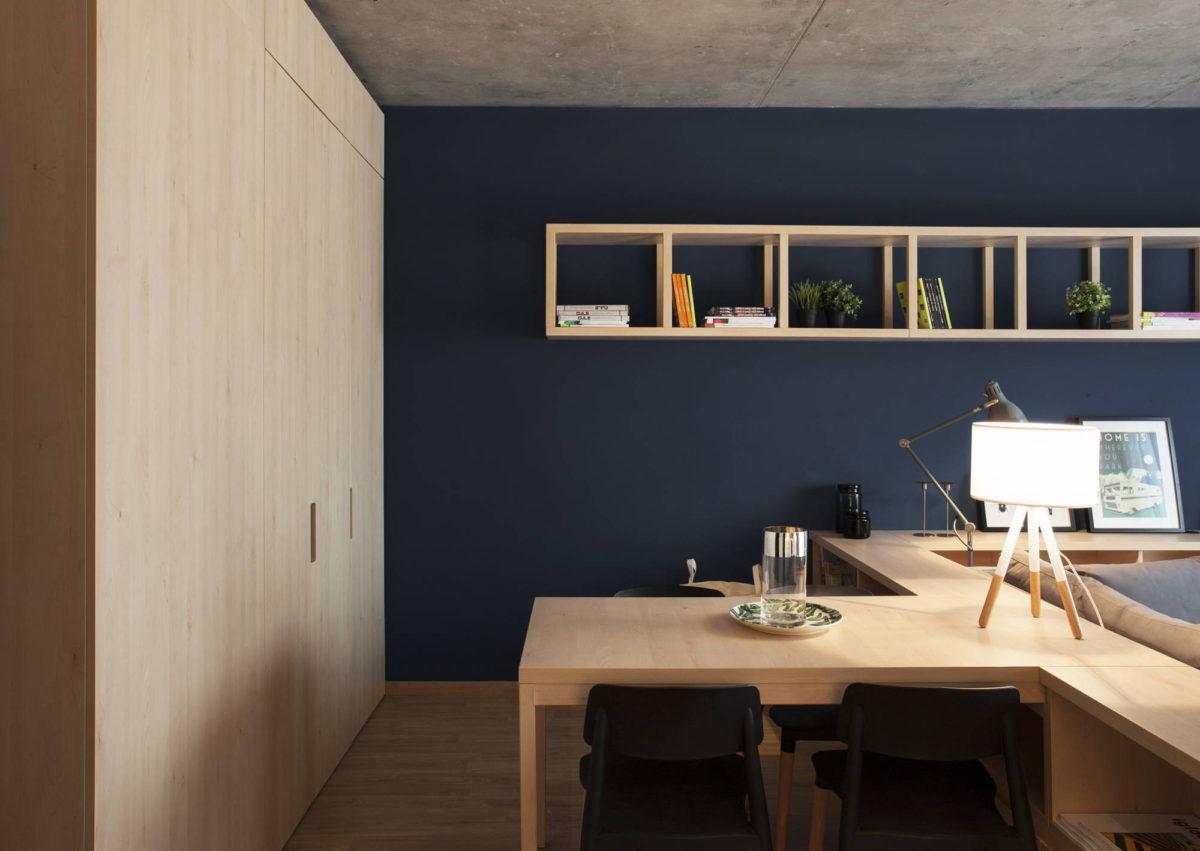 Кабинет в  цветах:   Бежевый, Светло-серый, Синий, Темно-коричневый, Черный.  Кабинет в  стиле:   Минимализм.