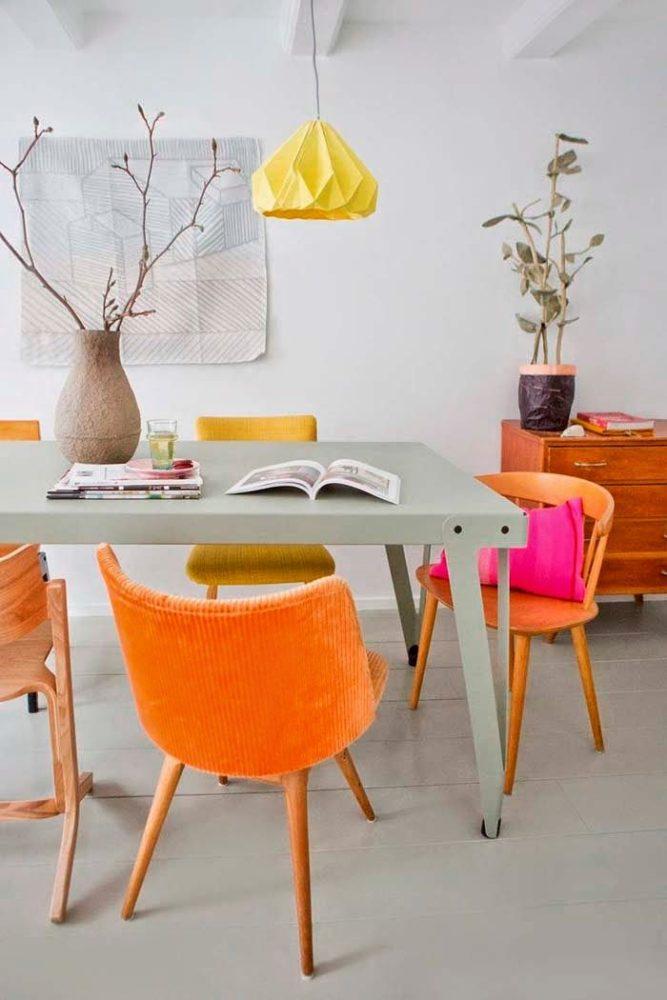 Кухня/столовая в  цветах:   Бежевый, Оранжевый, Светло-серый.  Кухня/столовая в  стиле:   Скандинавский.