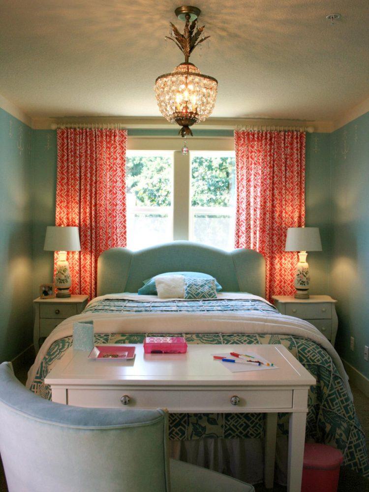 Спальня в  цветах:   Бежевый, Коричневый, Светло-серый, Серый, Черный.  Спальня в  стиле:   Неоклассика.