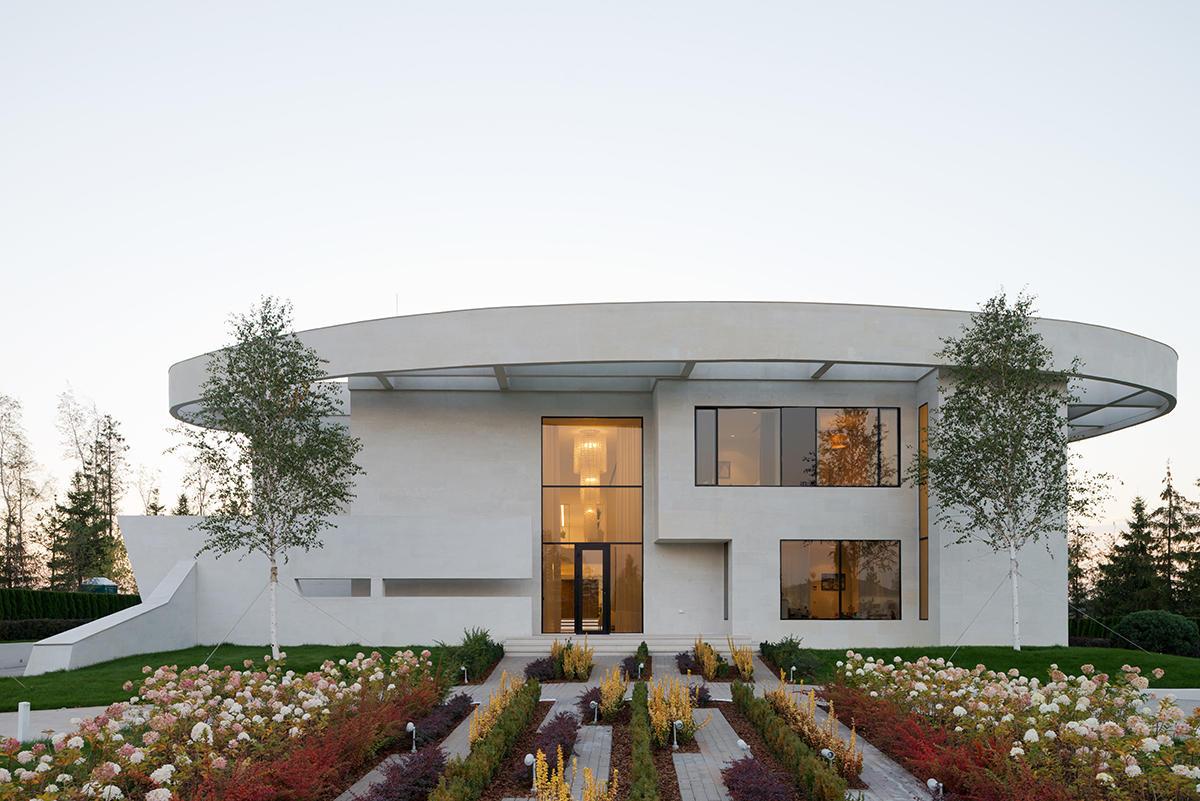 Архитектура в  цветах:   Бежевый, Белый, Светло-серый, Серый, Темно-коричневый.  Архитектура в  .