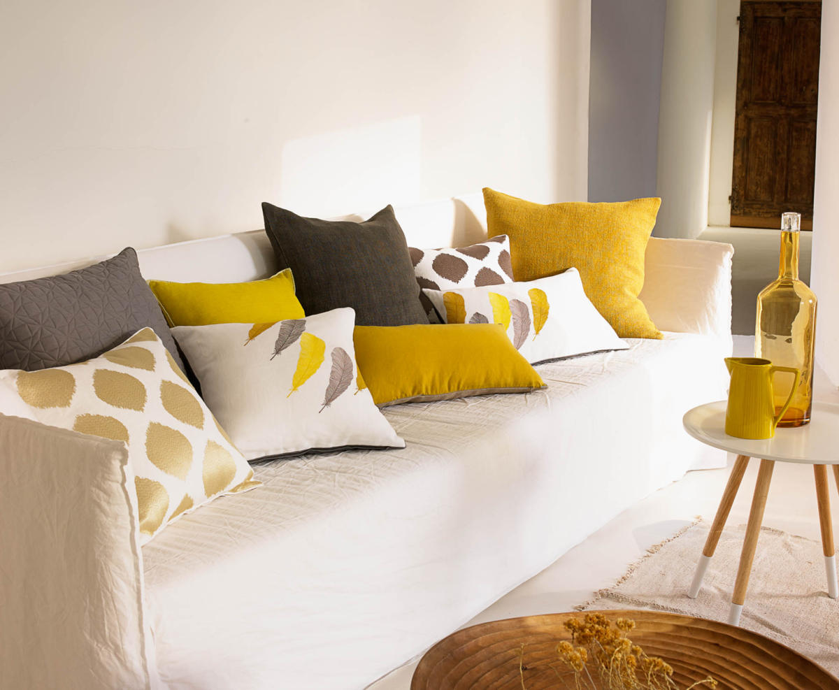 За жёлтым — в Yves Delorme